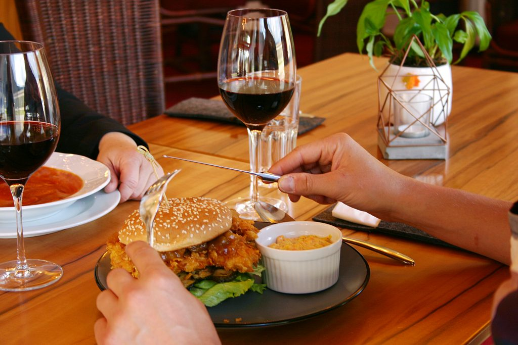 Bodenständiges Restaurant für regionales Essen im Gästehaus St. Michael